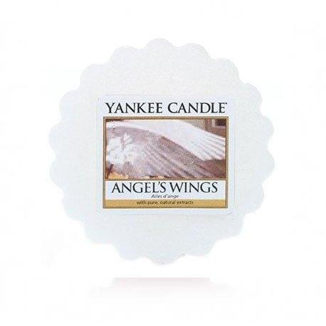 wosk od Yankee Candle, biała w szklanym słoiku o zapachu Angel's Wings. Biała, wanilia, konwalia, waniliowy, cukier, cukier trzcinowy, słodkie, perfumy, kwiaty, bukiet kwiatowy, świeca anioł, aniołek, prezent, prezent na urodziny, prezent na imieniny prezent, drobny upominek, drobiazg