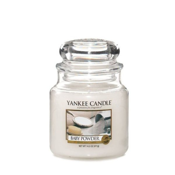 średnia świeca od yankee candle, biała w szklanym słoiku o zapachu baby powder. puder dla dzieci, delikatny zapach, relaks, odpoczynek, uspokojenie, świeca zapachowa, świeca, wosk, prezent, migdały N, nuty kwiatowo-pudrowe : piżmo, kumaryna
