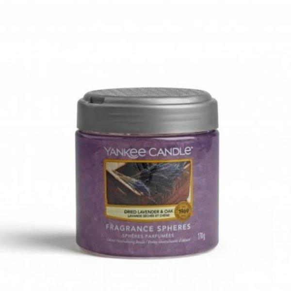 kuleczki żelowe od Yankee candle, fioletowa o zapachu dried lavender oak. Dąb, fiołki, lawenda, suszona lawenda, zapach lawendy, świeca zapachowa, świeca, relaks, wosk, zapachy, relaks, odpoczynek, fioletowa świeca,dom, domowo, łazienka