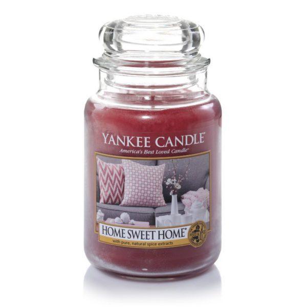 Duża świeca zapachowa od Yankee Candle, różowa w szklanym słoiku o zapachu home sweet home. Herbata, ciastka, cynamon, przyprawy, świeca, świeca zapachowa, prezent, jesień, zima, relaks, wieczór, kocyk, SPA, święta, świątecznie, boże narodzenie, gwiazdka, prezent, dom,