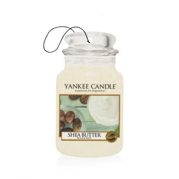 zapach do samochodu od Yankee Candle, biała w szklanym słoiku o zapachu Shea Butter. Białe, domowe SPA, relaks, orzeźwienie, migdały, balsam, świeca zapachowa, zapachy, świeżość, delikatny zapach, odpoczynek, dbanie o siebie, prezent, prezent dla Pani, prezent dla mamy, aksamit, aksamitny., car jar, zapach,