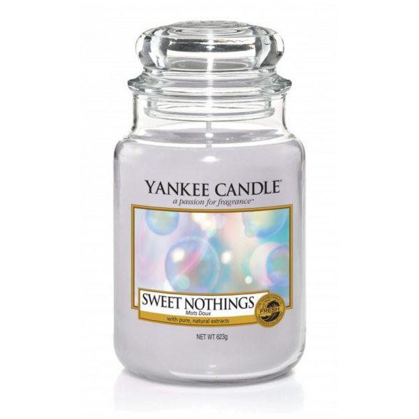 Duża świeca zapachowa Yankee Candle o zapachu Sweet Nothings. Fioletowa, świeca zapachowa, bańki, świeżość, orzeźwienie, kąpiel, relaks, wanna, świece, zapachy