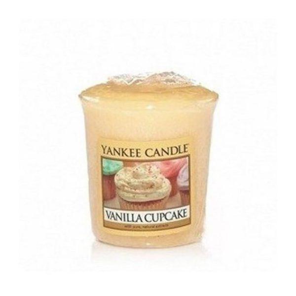 votive od Yankee Candle, żółta Vanilla Cupcake. Babeczka, wanilia, zapachy, świeca zapachowa, słodkie, ciastka, zapachy, cukier, relaks, lukier, smaczne,, domowe wypieki,, mała świeczka, upominek, prezent